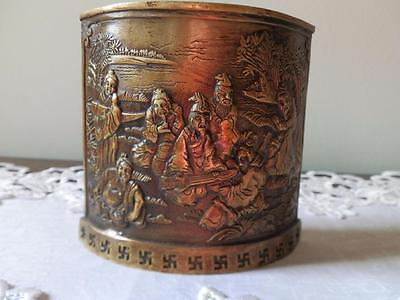 Stunning Vintage Quality Chinese Brass Brush Pot With Figures.
