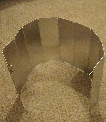 Camp Gas Cooker Stove Wind Shield Guard - foldable with bag