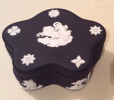 Wedgwood Black Jasperware Pentefoil  Pin  Trinket Box