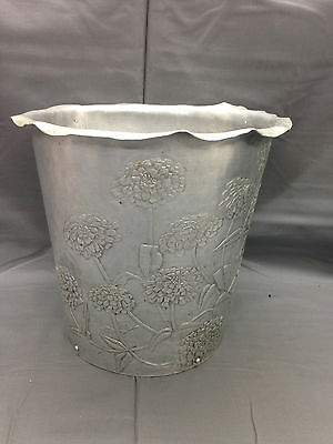 Wendell August Forge #800 Chrysanthemum Hammered Aluminum Trash Can {DD272}