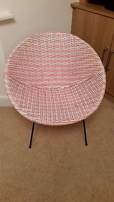 Vintage Retro 60's cone chair-Pink/White