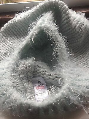 womans knitted mint metallised fibre beret & snood