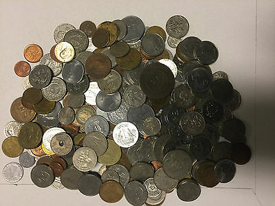 Lot of +2.5 Pounds of World Coins - Great Starter - Many countries