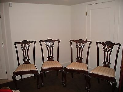 Set of 4 Antique Centennial Chippendale Mahogany Dining Chairs
