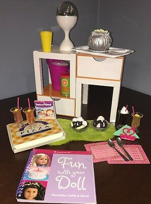 American Girl Doll Julie's Classic Bedroom, Sweet Treat, Pizza Accessories, Set