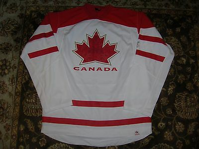 Team CANADA Replica Away/WHITE Jersey, Size Men's M
