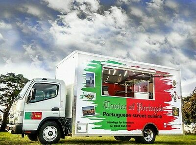 Mobile food vans and food trucks