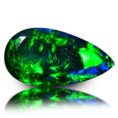 1.13cts Very Beautiful Green Blue Electric Fire Flashy Multi-Color Black Opal