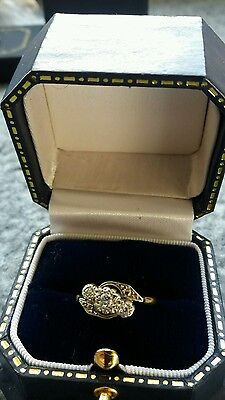 Stunning Vintage 18ct GOLD and triple DIAMOND  Ring - Size k