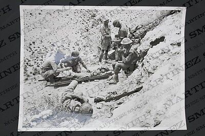 WWII Official Press Photo: Tobruk - A Dawn Patrol and Officer