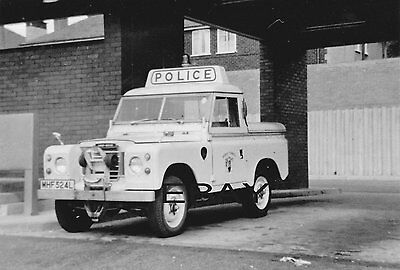 Black & White Photograph of an older Mersey Tunnels Police Land Rover