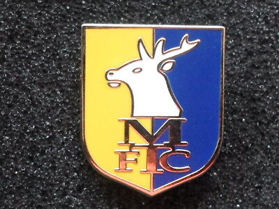 Football pin badge Mansfield Town FC (England)
