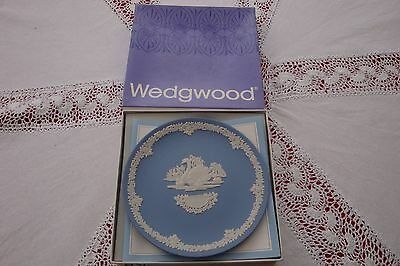 Wedgwood blue jasper mother day plate 1978