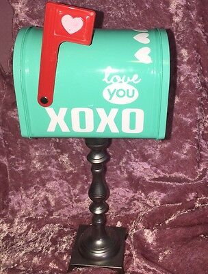 Valentines  Mailbox Tin New.  neatly Decorated And Sits On A Metal Post
