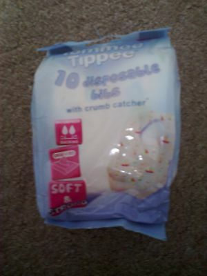 2 packs 20 x disposable bibs baby feeding new in packs tommee tippee and asda