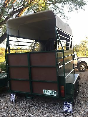 Double Horse Float Green Trac Well
