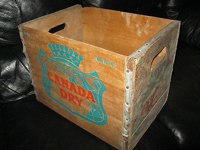 1959 Canada Dry soda advertising wooden box crate