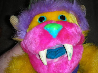 MY PET MONSTER Yiplet RARE vintage 1986 with 1 Handcuff