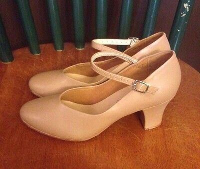 Theatrical's Pro Character Shoes (Size 5.5) Tan