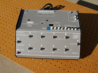 VINTAGE JAMES ONENIGHTER 24 CHANNEL MEMORY LIGHTING CONTROLLER with MIDI DECENT