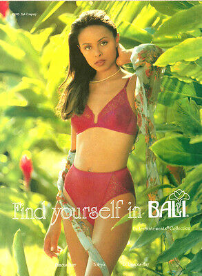 1993 lingerie Ad, BALI, understatement collection, bra and panties-100313
