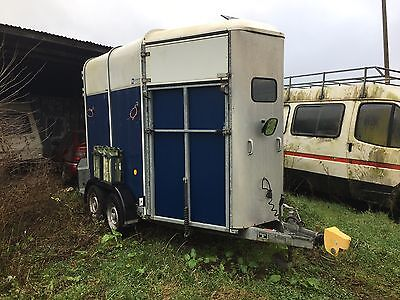 ifor williams 505 horse trailer With Tack Box.