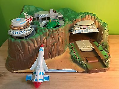 Carlton THUNDERBIRDS TRACEY ISLAND Tracy Toy Playset with Lights & Sounds TESTED
