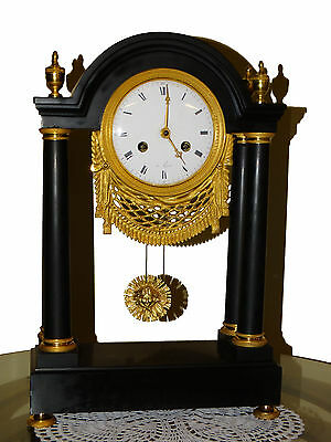 BEAUTIFUL FRENCH EMPIRE MARBLE AND GILT BRONZE MANTEL CLOCK cca 1830