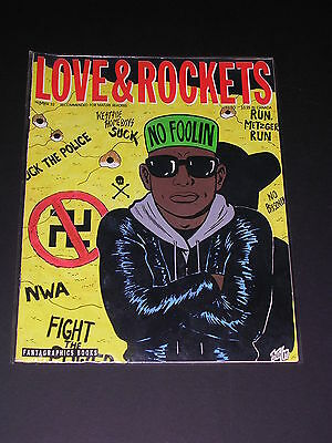 LOVE & ROCKETS #32 Underground Comix by FANTAGRAPHICS