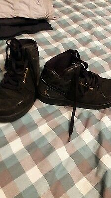 black and gold nike jordan trainers high tops size 5