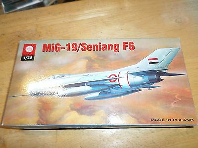 Model of a  MIG-19/Seniang F6.  1/72 scale