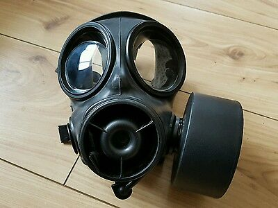 British army s10 avon gas mask size 4 with haversack