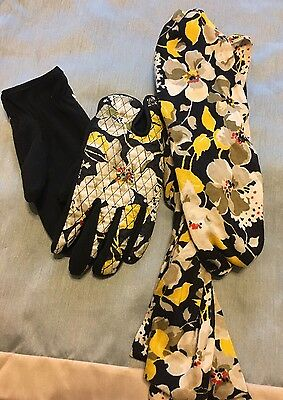VERA BRADLEY Dogwood knit scarf and gloves set EUC