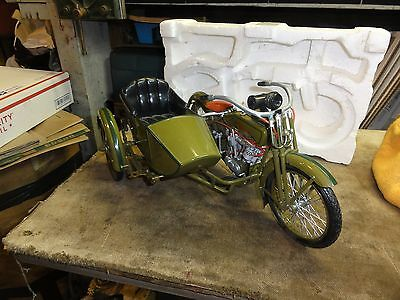 1917 Harley Davidson V Twin with Side Car Die cast 1:6 Scale from Xonex