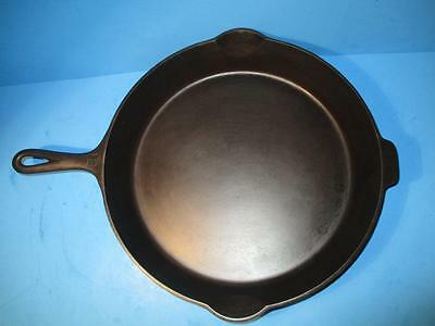 Clean Level Griswold Cast Iron #12 Sm Block Logo Skillet Heat Ring 719 A Erie PA
