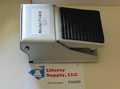 """Brand New Pneumatic 4 Way Foot Pedal Valve with 1/4"""" NPT Working Ports"""