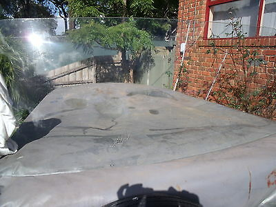hd hr holden front wind screen