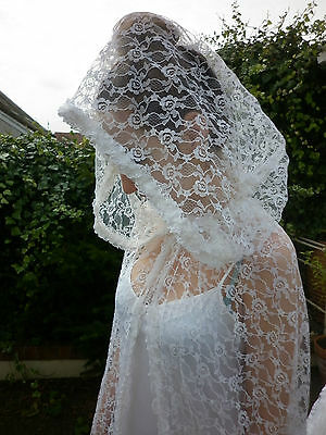 STUNNING TRUE VINTAGE QUALITY WHITE LACE MAXI CAPE WITH HOOD 1960's WEDDING