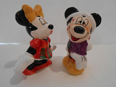 Disney mickey & minnie mouse kissing Christmas salt and pepper shakers