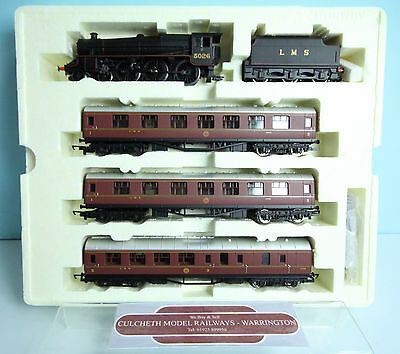 Hornby 'oo' Lms Black 5 Loco & 3X Coaches 'thames Forth Express' Train Pack #67Y