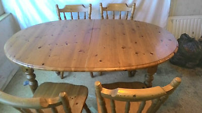 SOLID PINE Extending Dining Table and four Chairs