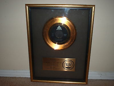 """Barry Manilow Riaa Gold Record Award 45 """"looks Like We Made It"""""""