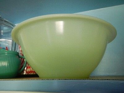 Depression Hocking Glass Green Clambroth Jadeite Rolled Rim Mixing Nesting Bowl