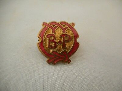 VINTAGE BADEN POWELL/ BP SCOUTS or GIRL GUIDES RED ENAMEL PIN BADGE BE PREPARED