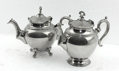 Pair of Antique Theepots with a total weight of 820 grams (g)