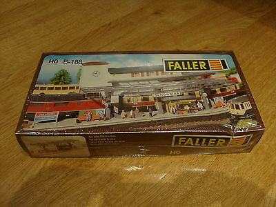 L50 BNIB Faller Model Kit B-188 - Platform with Kiosk H0