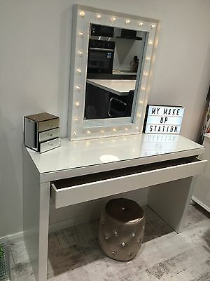 LED Hollywood Mirror Dressing Table & Gold Accessories