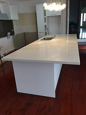 kitchen Island BENCHTOP (Quantum Quartz)