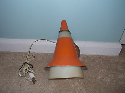 Vintage Mid Century Modern Electric Bullet Cone Wall Sconce Spot Light WORKS