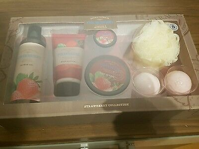 natural extract strawberry collection gift set